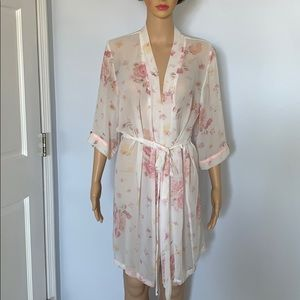 New vintage look robe